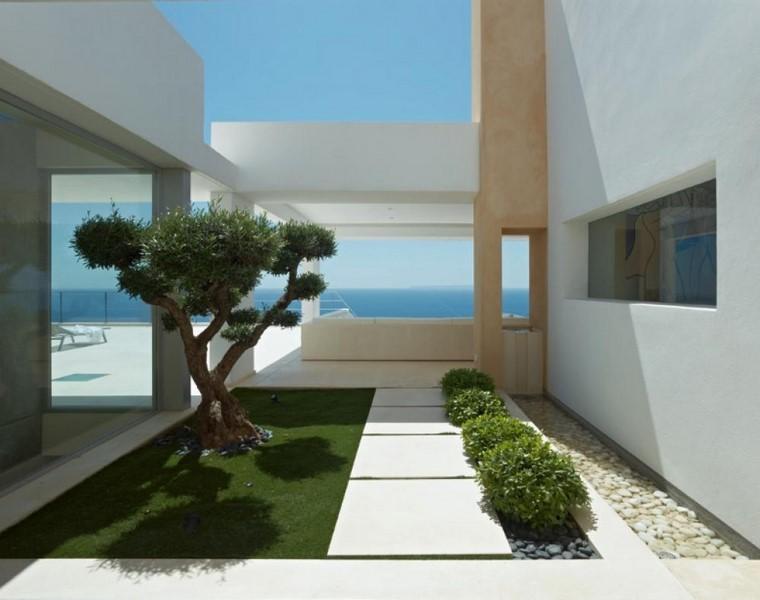 espais-exterior-flora-rocalla